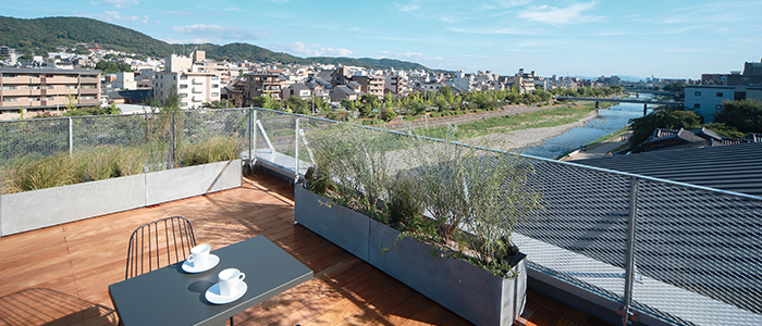 ※The rooftop is a shared space.